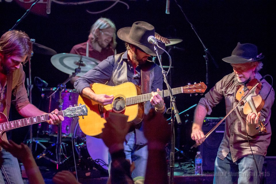 Ryan Bingham at Rev Room. Credit: Tim Vahsholtz